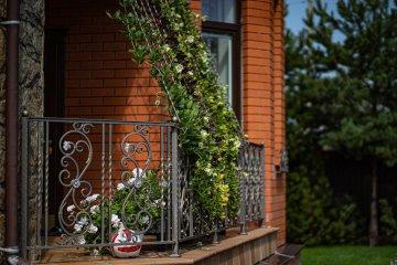 вертикальное оформление балкона